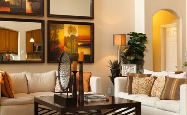 Wall Decorating With Pictures Houzz