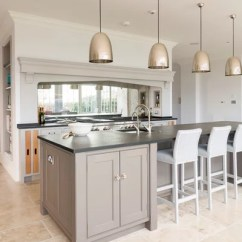 Kitchen Mirrors Outdoor Cost Make An Unexpected Appearance In The Transitional By Humphrey Munson