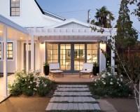 Farmhouse Deck Design Ideas, Remodels & Photos