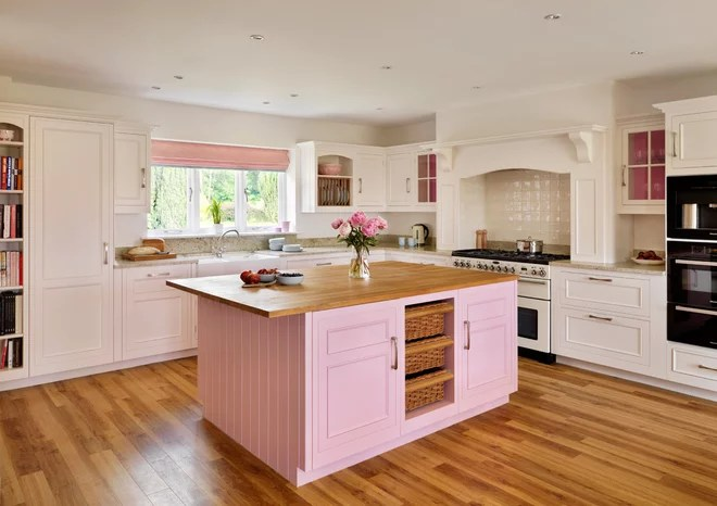 Farmhouse Kitchen by Harvey Jones Kitchens