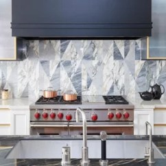 Kitchen Backsplashes Hickory Cabinets On Houzz Tips From The Experts Photo Flip Behold These Bold