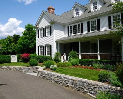farmhouse front yard landscape