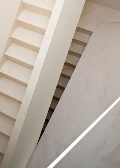 Contemporáneo Escalera by Fran Silvestre Arquitectos