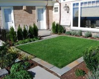 Small Lawn Home Design Ideas, Pictures, Remodel and Decor