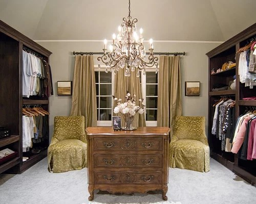 Example Of A Classic Dressing Room Design In New York