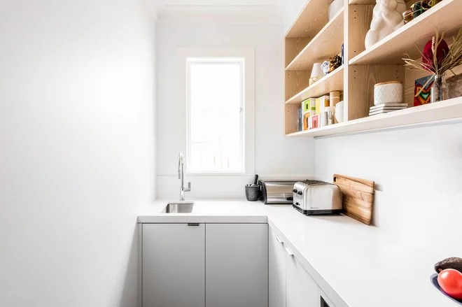 Contemporary Kitchen by eat.bathe.live