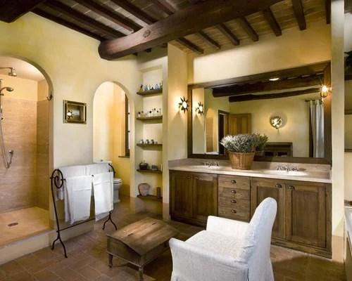 Mediterrane Badezimmer mit integriertem Waschbecken Ideen Design  Bilder  Houzz