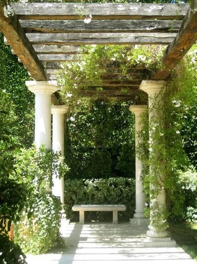 Mediterraneo Giardino by Bernard Company