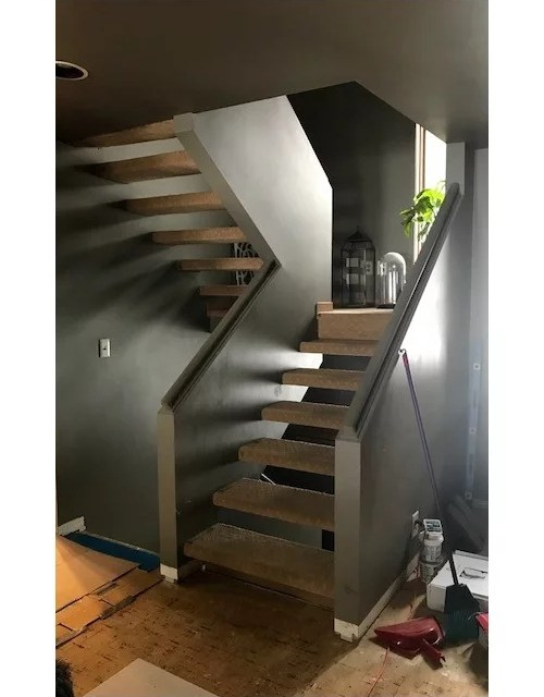 Staircase Half Wall With Open Treads | Fitting Carpet To Open Tread Stairs | Landing | Floating Staircase | Stairway | Hardwood | Prefinished Stair