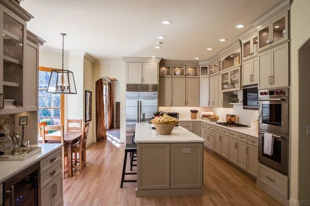 Kitchen Of The Week Latte Colored Cabinets Perk Up An L Shape