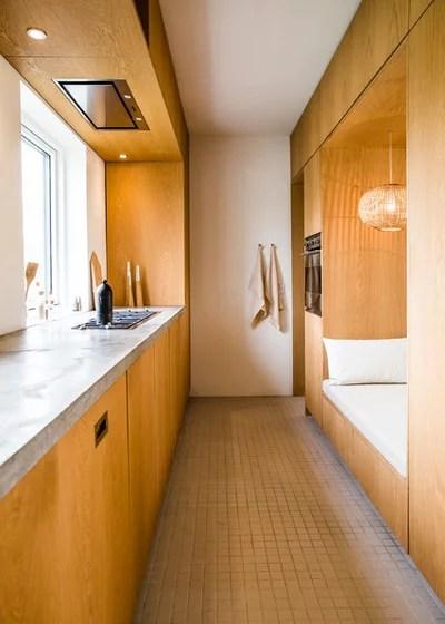 Modern Kitchen by FRIER Architecture