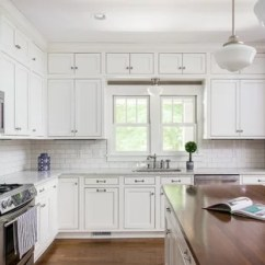 Farmhouse Kitchen Cabinets Sink Spray Hose 75 Most Popular Design Ideas For 2019 Stylish Designs Cottage L Shaped Medium Tone Wood Floor And Brown