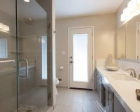 Modern Bathroom Remodel in Modesto (bC Shoemake Avenue)