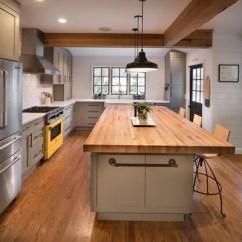 Kitchen Island With Range Interactive Designer 本周的新 3惊人的白色和灰色的厨房 长装网 长沙装修平台 所以包装材料除了石膏板的光束是一个伟大的解决方案 我呼吁粗糙 Skip Planed木材在这个厨房 里 但你绝对可以更抛光路线与磨绒和染色 或降低与软 白色木头