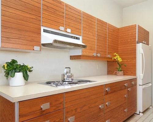Cuisine rtro avec un placard  porte persienne  Photos