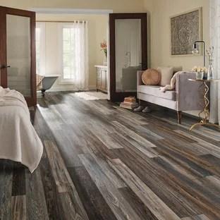 75 Beautiful Brown Vinyl Floor Bedroom Pictures Ideas January 2021 Houzz