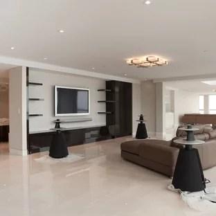 salon moderne avec un sol en carrelage