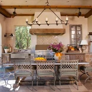 Il personale è la vera pecca: 75 Beautiful Shabby Chic Style Outdoor Kitchen Pictures Ideas September 2021 Houzz
