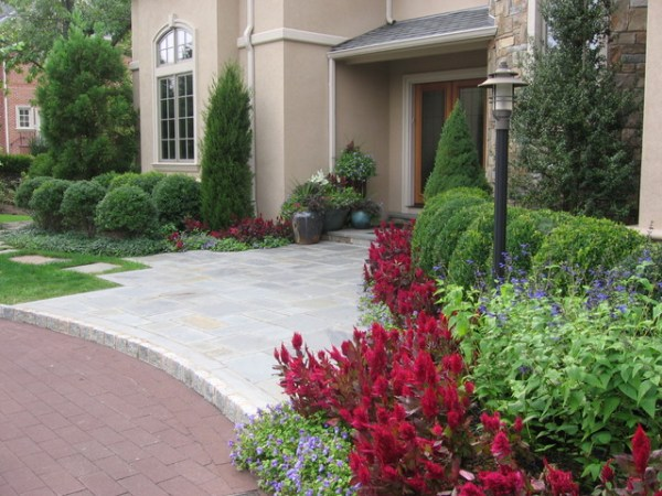 front entry landscaping - traditional