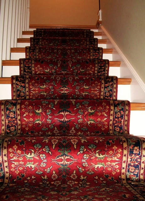 Traditional Handknotted Stairway Runner  Traditional