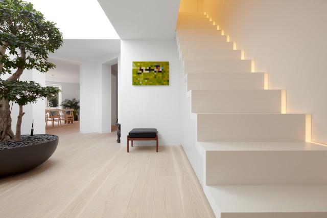 Modern Treppen By Schmidt Holzinger Innenarchitekten