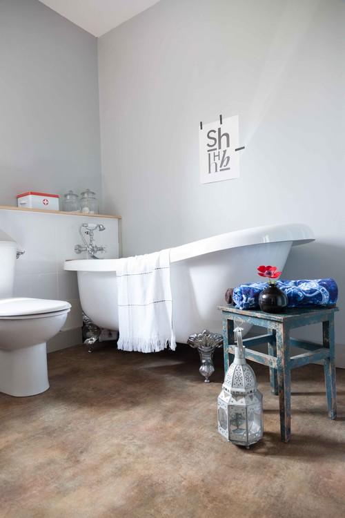 Sol d'une salle de bain en PVC