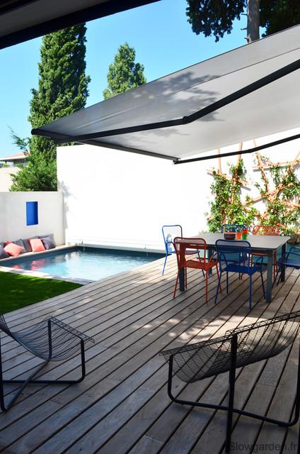 Petite terrasse avec piscine  Moderne  Piscine  Marseille  par Slowgarden