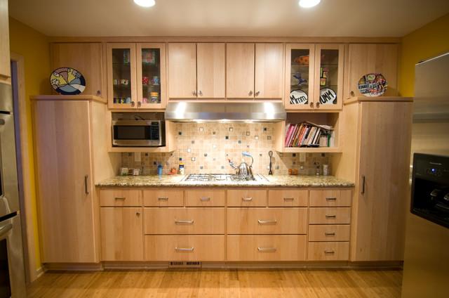 Natural Maple Kitchen  Traditional  Kitchen
