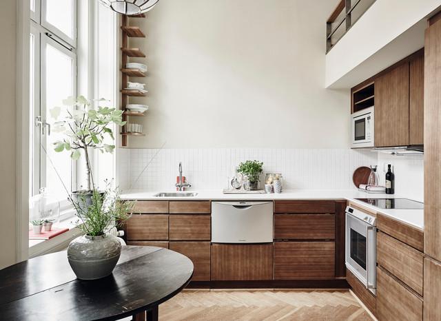 Abbinare i colori delle pareti ai mobili non è affatto difficile. 6 Colori Che I Pro Usano Per Valorizzare Le Cucine In Legno Noce