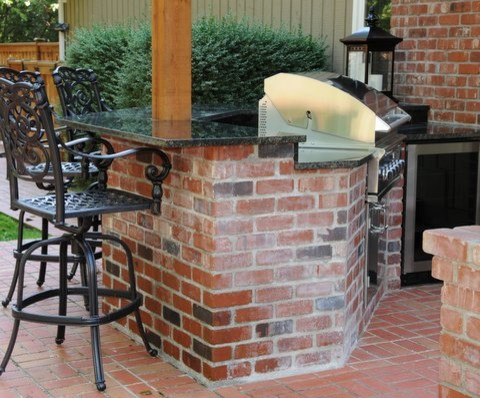 Fantastic Patio with Outdoor Kitchen and Dining Area