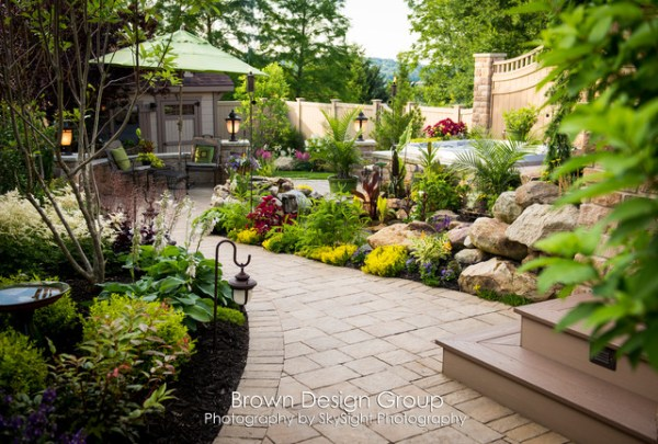 elegant tiered garden - traditional