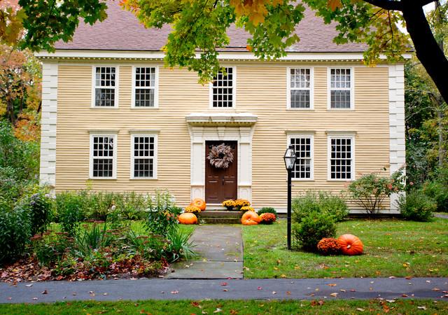 Autumn Decor & New England Road Trip exterior