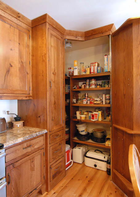 corner pantry  Traditional  Kitchen  Other  by