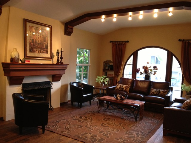 Decorating ideas living rooms spanish style for Family room los angeles