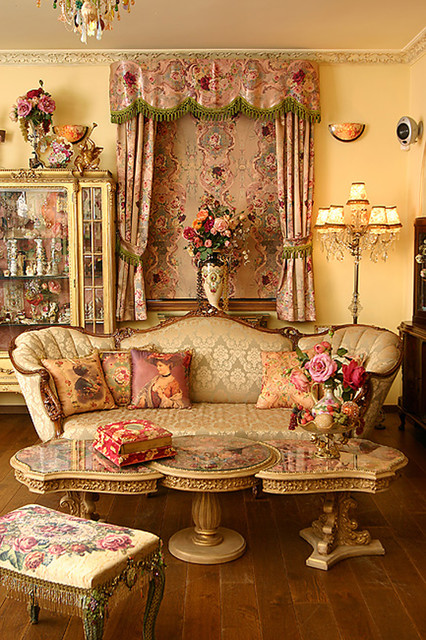 living room victorian-living-room