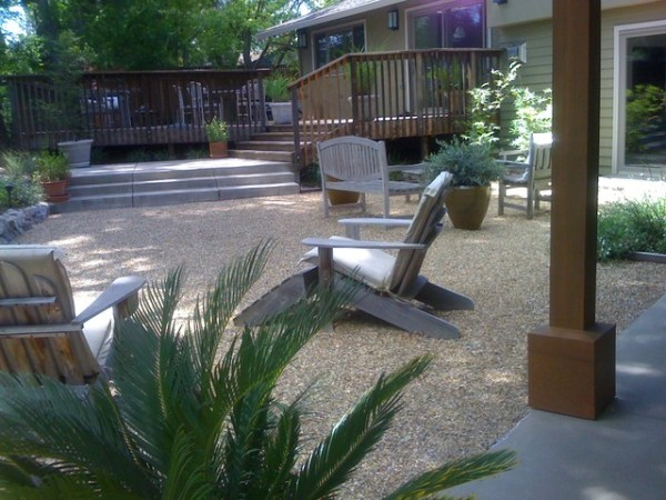 crushed rock patio - contemporary