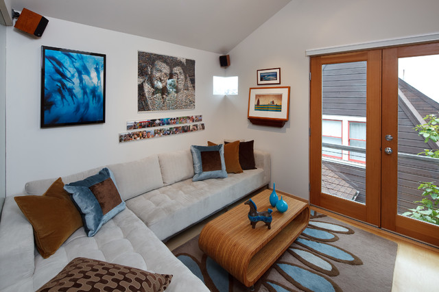 Tiny house: Small living room by Kimball Starr Interior ...