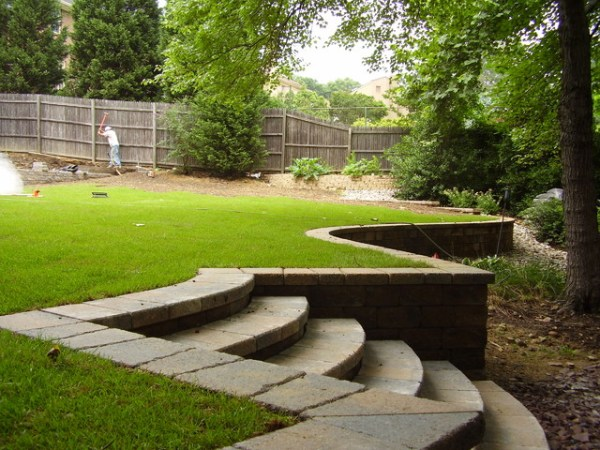 retaining wall - traditional