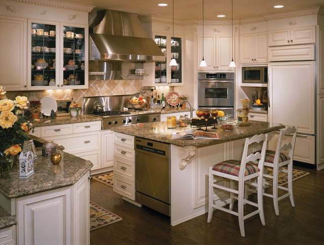 Luxury Meets Sophistication in this Rustic Kitchen