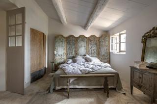 la Maison Charrier farmhouse-bedroom
