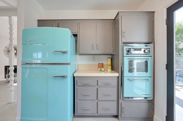 Santa Cruz Turquoise Appliances Midcentury Kitchen