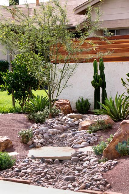 frontyard landscape ideas - succulent