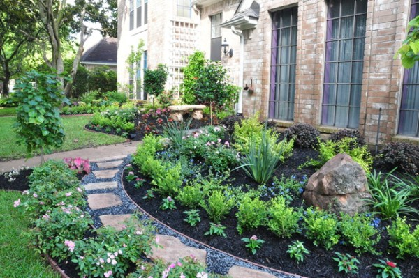sugarland front yard - traditional