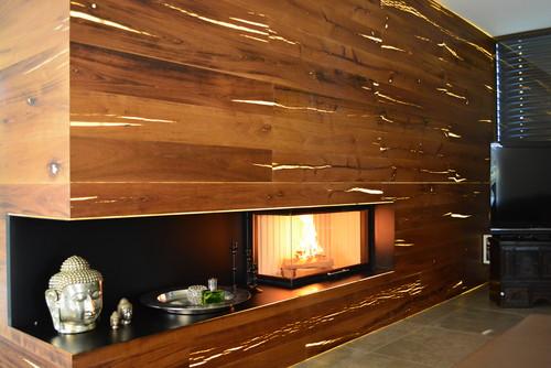 Wie kann man so eine tolle hinterleuchtete Wand machen am Ofen
