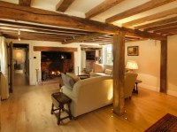 17th Century Thatched Cottage - Farmhouse - Living Room ...