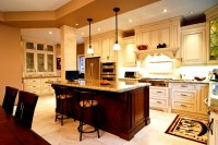Luxury European Kitchen - Traditional - Kitchen - Toronto ...