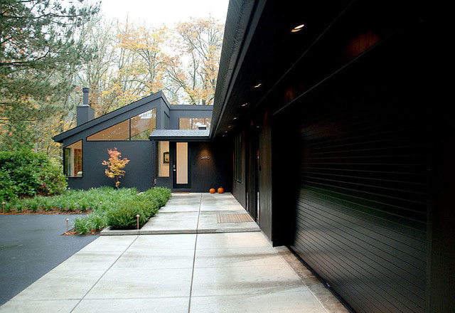 On Trend: Bold And Black Exterior House Color