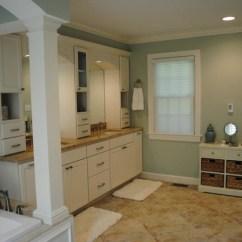 Living Room Borders Ideas Inviting Colors Marshmallow Cream Maple Cabinets, Persa Avorio Granite ...