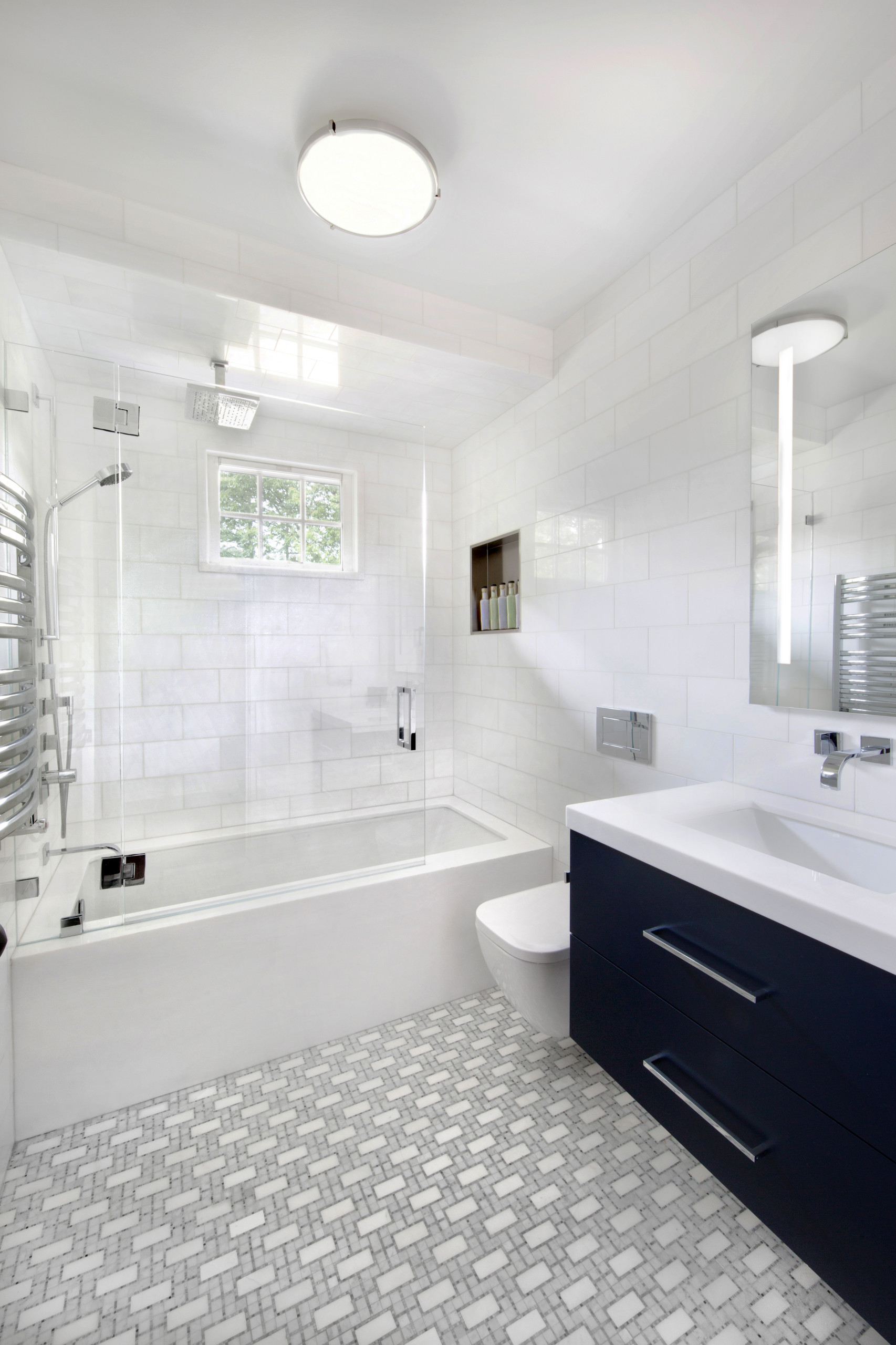 Must See Tub Shower Combo Pictures Ideas Before You Renovate 2020 Houzz