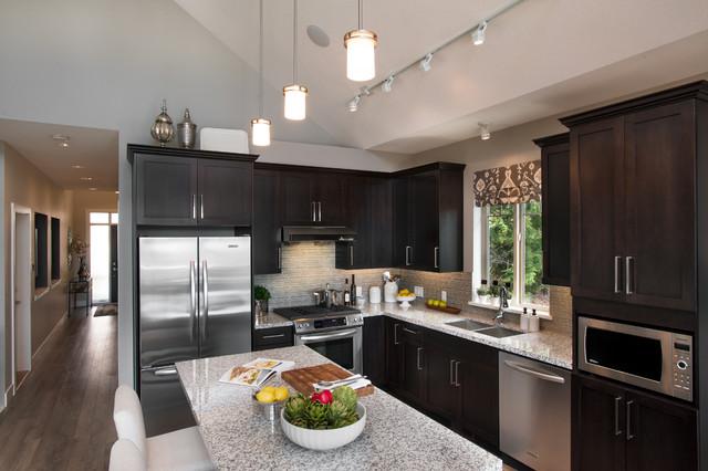 Classic Suite Secret Ridge Contemporary Kitchen Vancouver